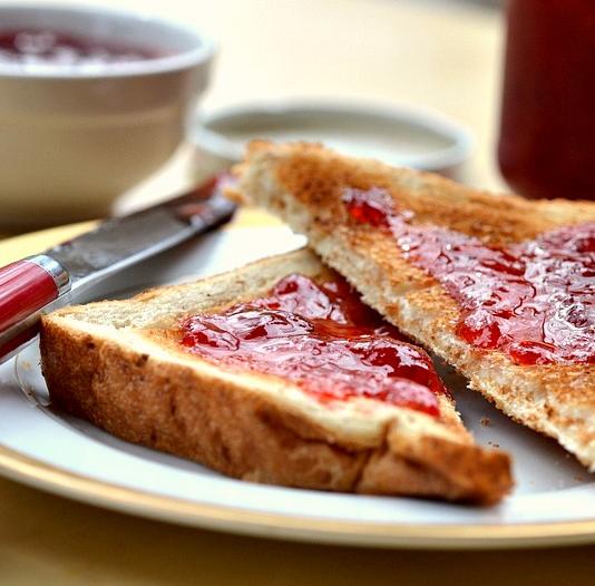 Wholegrain Toast with Homemade Jam