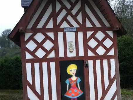 La Femme Lunaire investit Brimborion