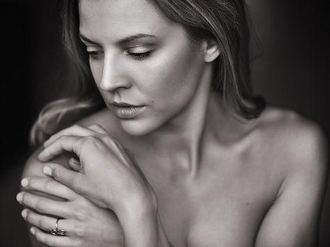 adult_beautiful_woman.jpg