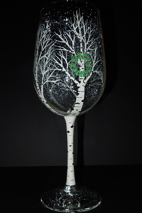 Winter wine glass with Christmas wreath