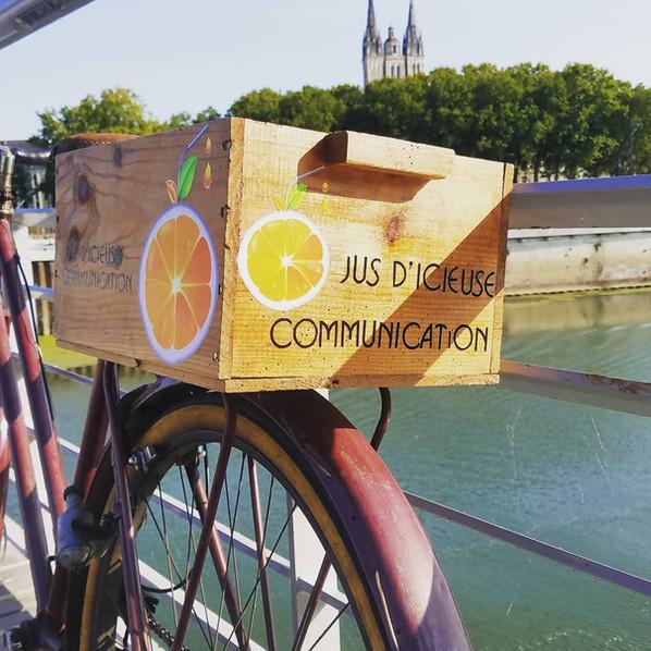 Jus d'icieuse Communication-graphiste douai Lille Arras lens