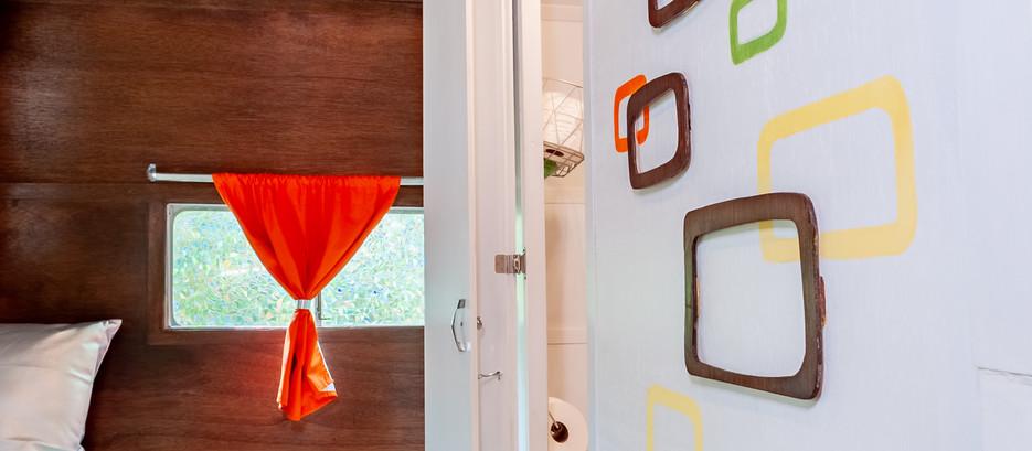 shasta exterior, toilet, wall-4.jpg