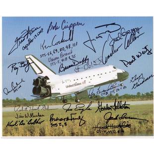 22 Shuttle Commanders & Pilots Signed Photo