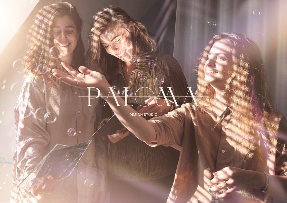 Paloma Design Studio Sofie, Anna och Jenny utgör tillsammans designbyrån Paloma design studio. De jobbar med rumsgestaltning med fokus på ljus, som är deras specialistområde. Deras styrka är att de inte ser några utmaningar som för stora eller idéer omöjliga. De vill genom sina ljusskapelser beröra och ge betraktaren upplevelse de sällan glömmer.   Jag hjärtars uppdrag var att ta fram en grafisk identitet och webb i syfte att skapa en total visuell upplevelse av Paloma Design Studio.