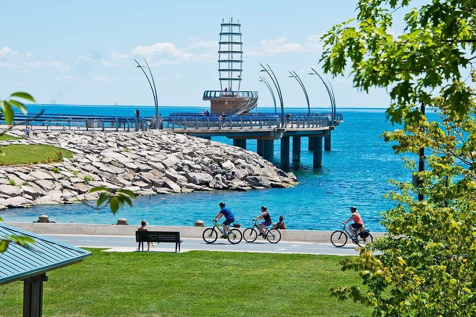 Promenade_and_Pier_at_Spencer_Smith_Park
