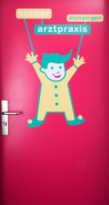 Kinderarztpraxis_tür.png
