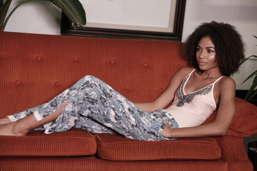 womens.blue.white.sexy.lingerie.top.bottoms.floral.printed.silk.cotton.0227.jpg