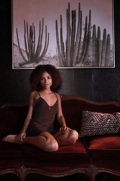 womens.black.night.gown.silk.0216.jpg