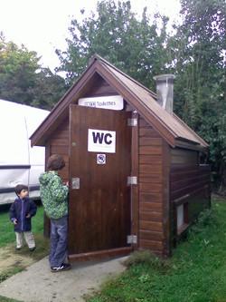 toilette sèche à lombicompostage