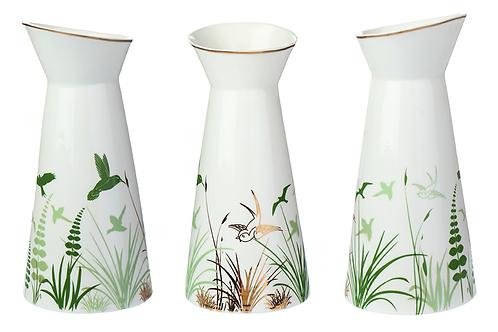 Porzellankaraffe mit Dekor, florales Dekor, Vögel, Blumen,Golddekor, weißes Porzellan, Keramik in Wien, mano design