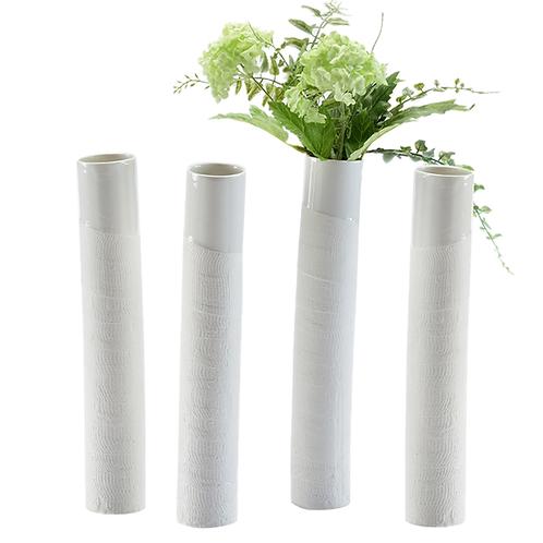 Porzellanvase, Vase mit Struktur,weißes Porzellan, Bandagen, Porzellanwerkstatt , Keramik in Wien, mano design,