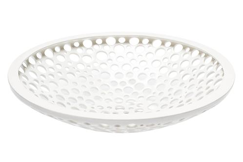 perforierte Porzellanschale, Löcher in der Schale, weißes Porzellan, große Obstschale, Keramik in Wien, manodesign