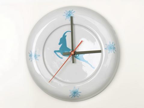 Capricorn clock