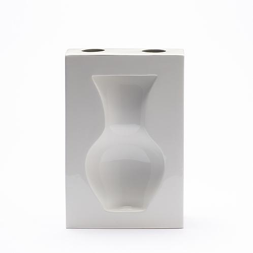 Stand-Wandvase, Porzellanvase, Goldvase,weißes Porzellan, Hängevase, Porzellanwerkstatt , Keramik in Wien, mano design,
