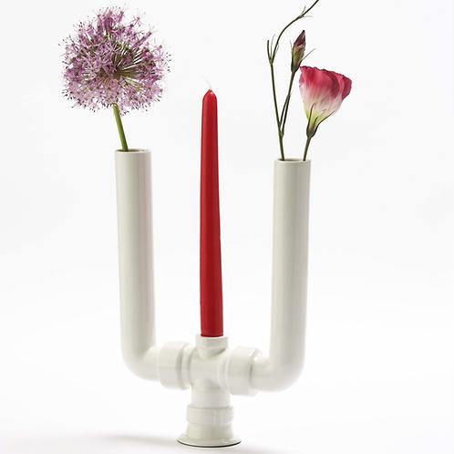 Porzellanvase mit floralem Dekor, weiße Porzellanvase, Wasserrohre,Kerzenständer aus Porzellan
