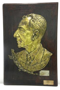 Efígie de bronze