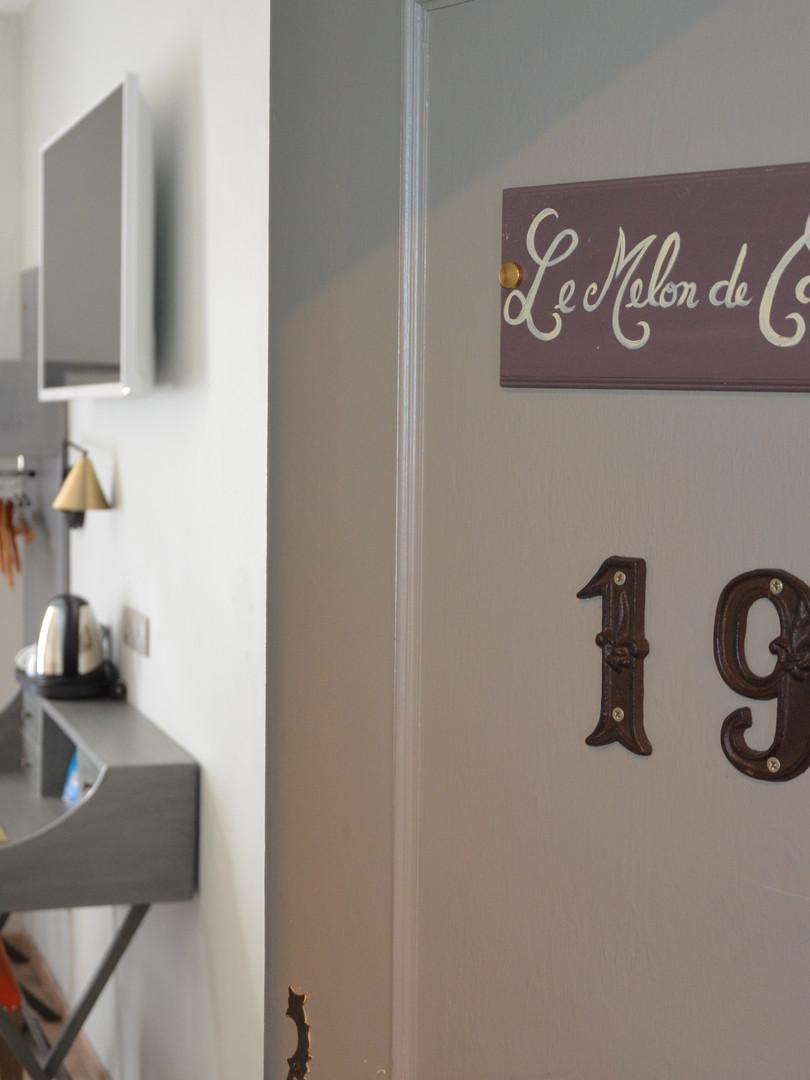 hôtel_cavaillon_-_chambre_melon_1.JPG