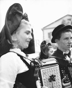 Alsaciens en costume traditionnel