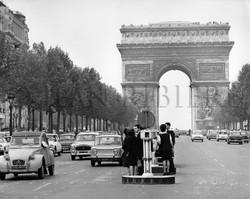 Champs Élysées : l'Arc de Triomphe