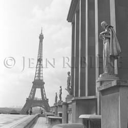 La Tour Eiffel depuis l'esplanade