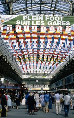 Plein Foot sur les gares - Mundial82