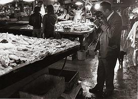Jean Ribière au marché aux poissons de Barcelone en 1964