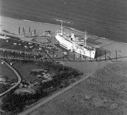 Vue aérienne du Lydia sur la plage