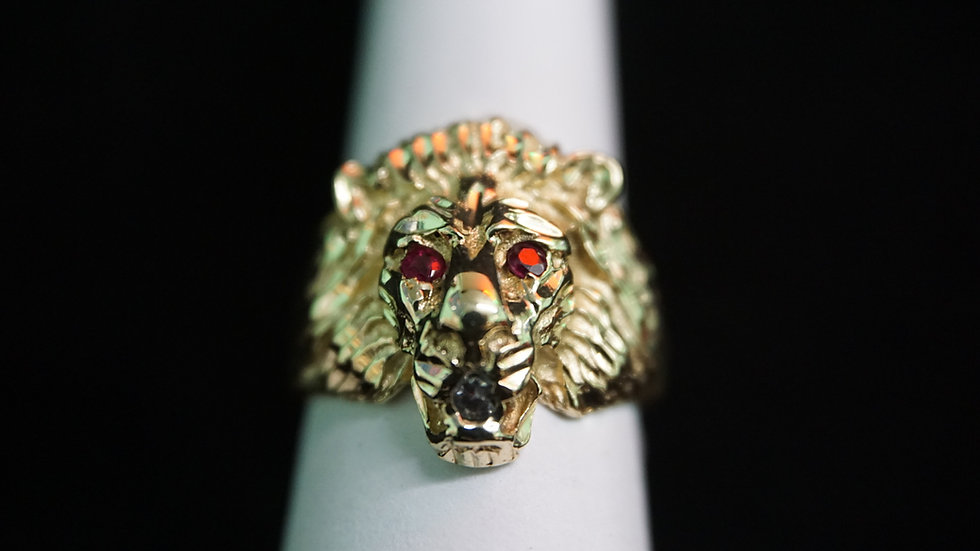 14k Lions Head Ring w/ red and white stones