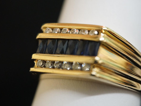 14k Gold ring with Blue Diamonds