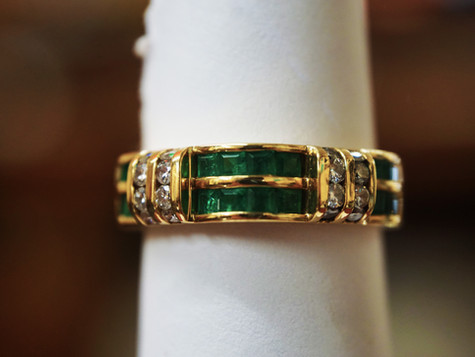 14k Gold ring with Diamonds and original Esmeralds