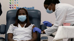 New York nurse given COVID-19 vaccine as U.S. rollout begins