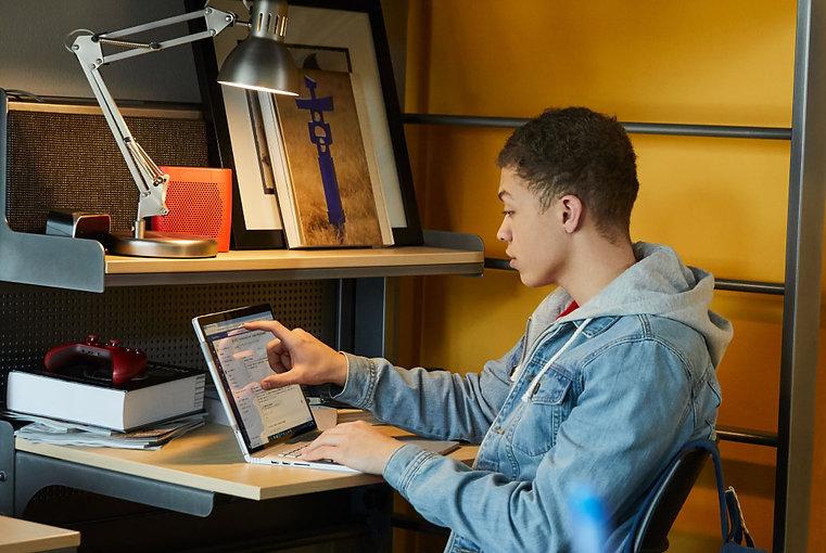 JPG-Young-man-at-computer.jpg