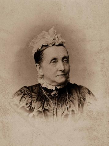 18 Martha Hutchings (Steele) 1900 final.