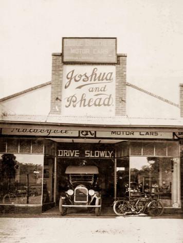 Frnak Rhead's Garage Griffith 1920.jpg