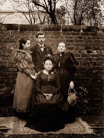 9 Rosina, Clifton and Margaret Hutchings