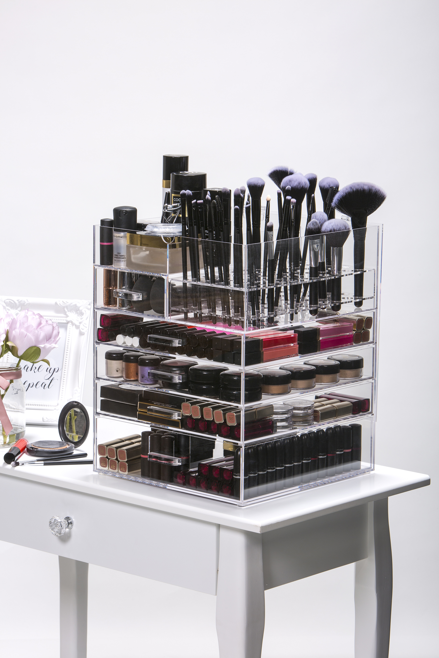 6 Tier Makeup Organiser 1