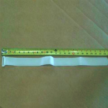velcro_strap_white_parallel_measuring_tape_showing_24_inches