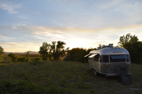blm-land-wyoming-airstream-windows-open.