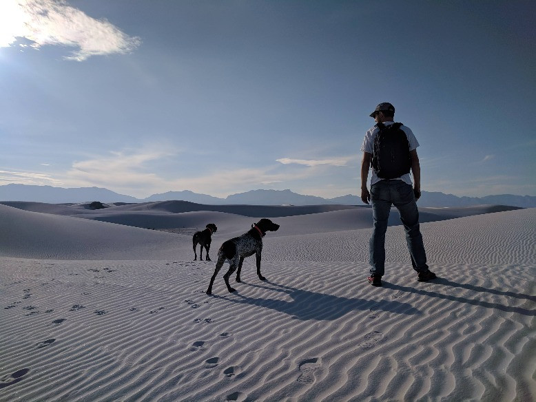 White Sands National Monument - Nick and Dogs