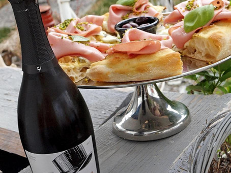 Enosophia predstavila interaktivne vinske etikete u velikogoričkom restoranu PapaMó
