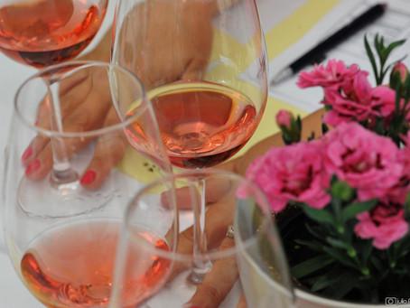 Ružičasti pogled kroz čašu -  Vinske zvijezde u zagrebačkoj Esplanadi
