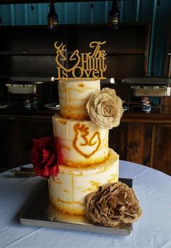 Deer rustic wedding cake