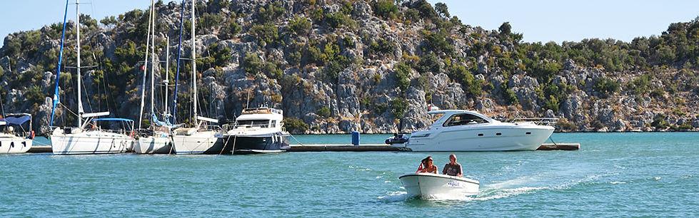 Boat transfer service