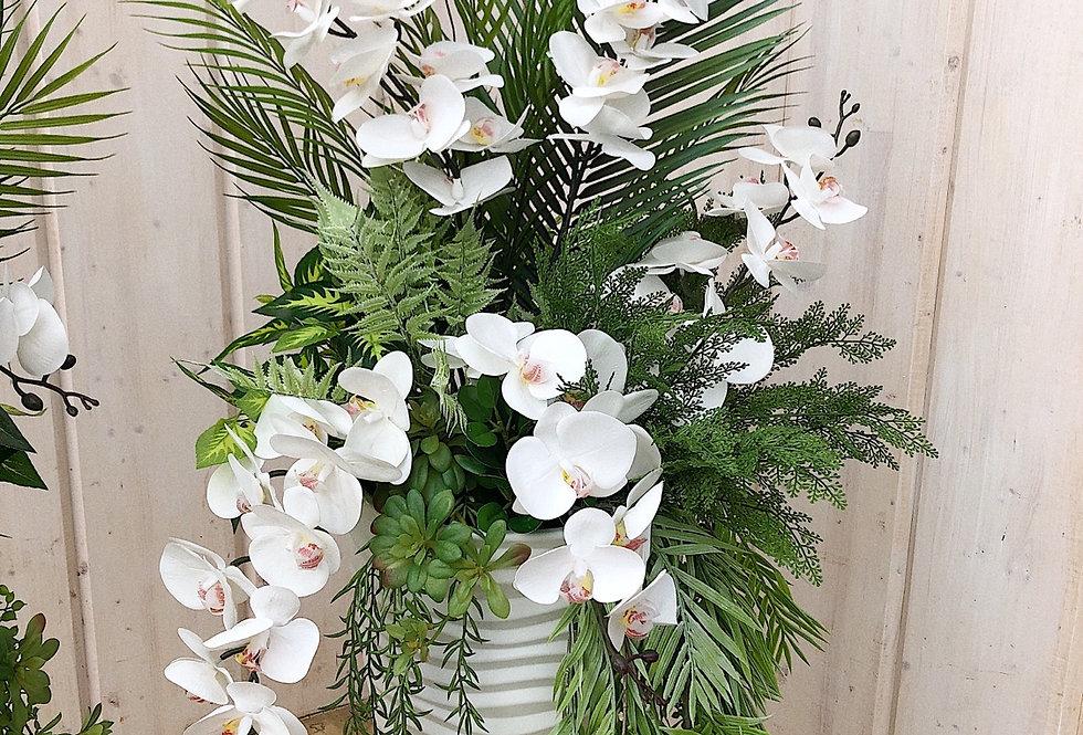 Напольная с орхидеями