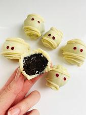 """Mummy"" Keto/Low Carb Cake Balls"