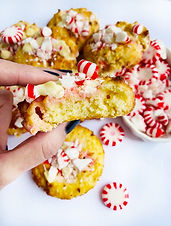 LowCarb Peppermint White Chocolate Chip Cookies