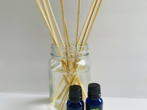 Easy DIY All Natural Reed Diffuser