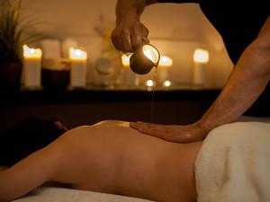 Relaksacyjny masaż ciała z masłem Shea