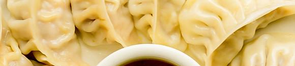 Noodles and Mo:Mo
