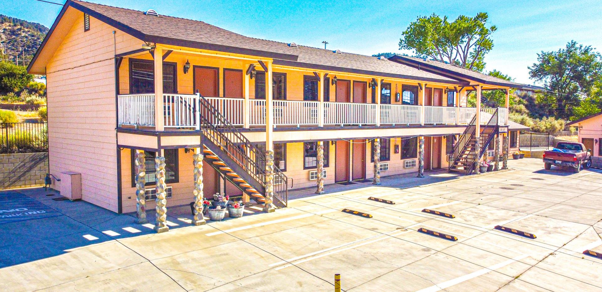 Facade of the Motel